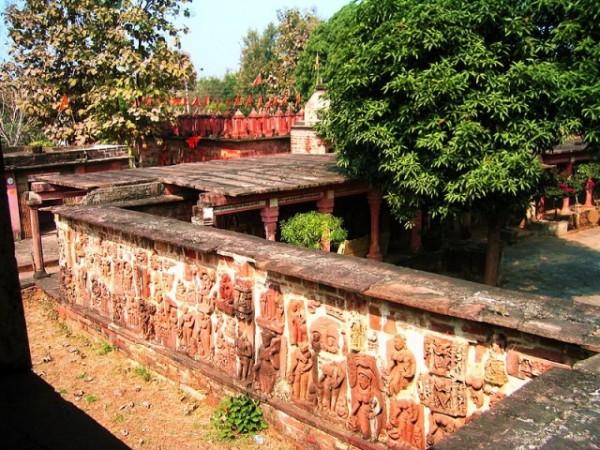 Deogarh photos, Jain Temples - Wall of Jain Temples