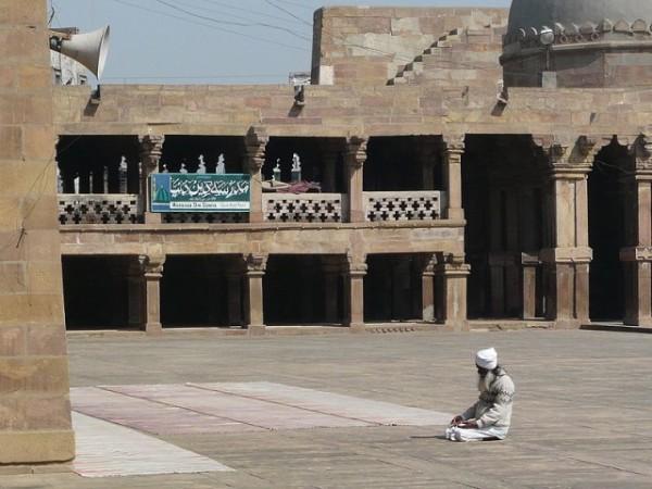 Jaunpur photos, Atala Masjid - Central Courtyard