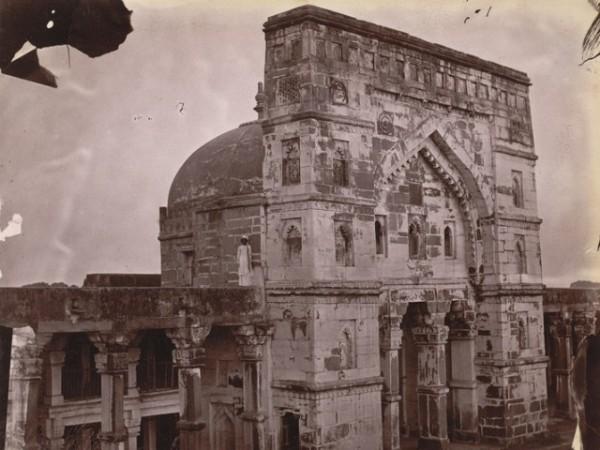 Jaunpur photos, Lal Darwaza Masjid - A Side view