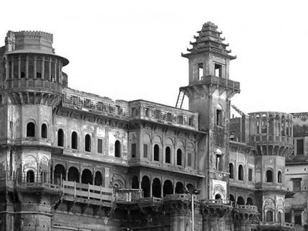 Varanasi photos, Darbhanga Ghat - Tall structure of Ghat