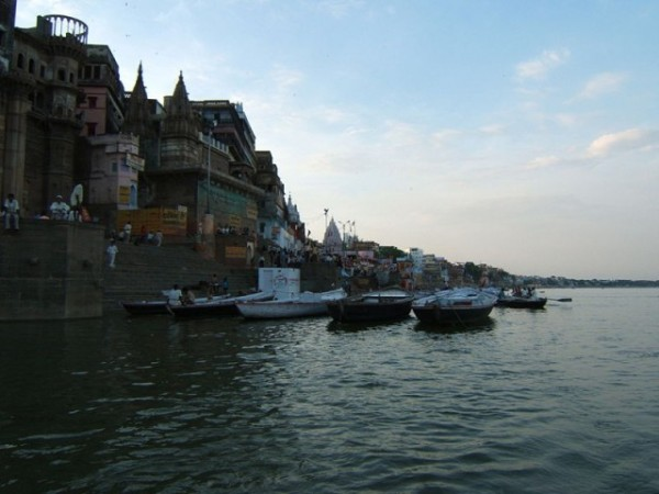 Varanasi photos, Darbhanga Ghat - A coastal view