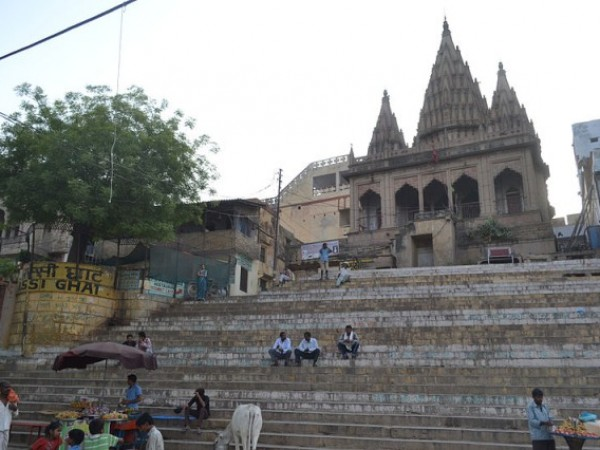 Varanasi photos, Assi Ghat - Steps leading to Ghat