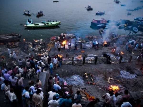Varanasi photos, Manikarnika Ghat - Hindus cremate their deceased kin