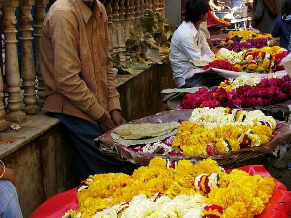 Vrindavan photos, Banke Bihari Temple - Rows of Garlands