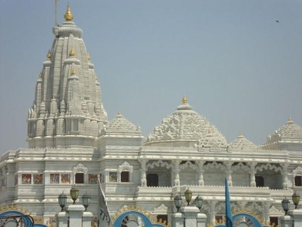 Vrindavan photos, ISKCON Temple - Pristine white temple