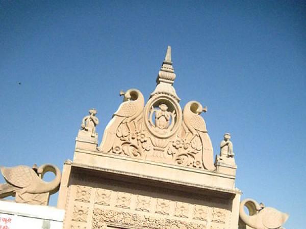 Vrindavan photos, Seva Kunj and Nidhuban - Main gate