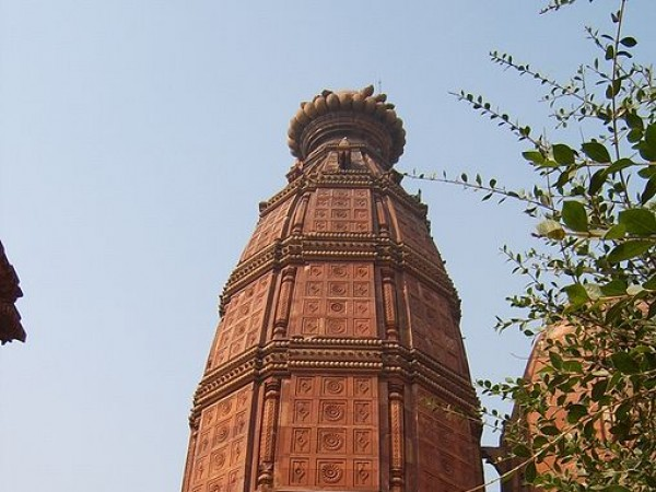 Vrindavan photos, Madan Mohan Temple - Towering structure