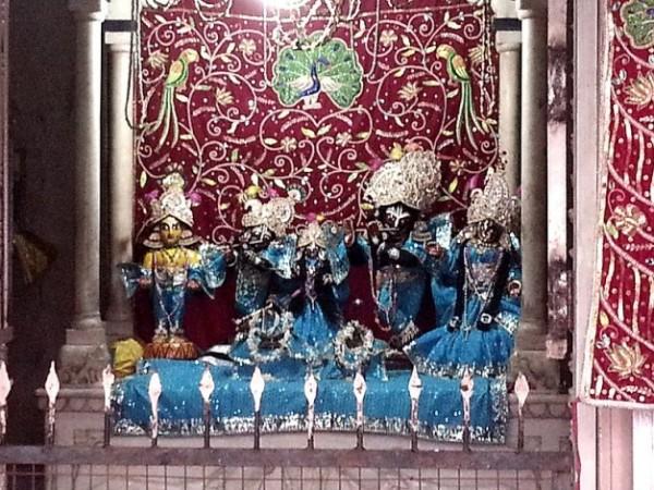 Vrindavan photos, Radha Gokulananda Temple - Idols of Radha & Krishna