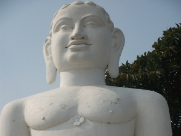 Faizabad photos, Rishabhdev Rajghat Udyan -  Huge statue