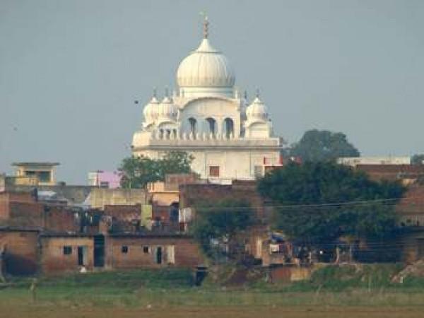 Pilibhit photos, Chhathavi Padshahi Gurudwara - Distant View