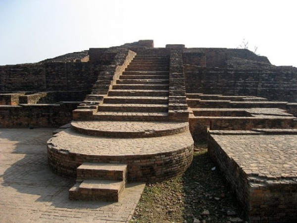 Sravasti photos, Anathapindika Stupa - Steps at the Stupa