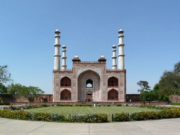Agra photos, The tomb of Akbar the Great - A beautiful view