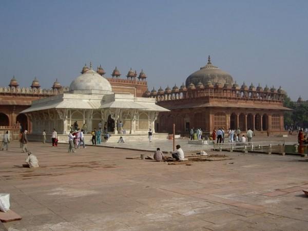 Fatehpur Sikri photos, Tomb of Salim Chishti - Complete View