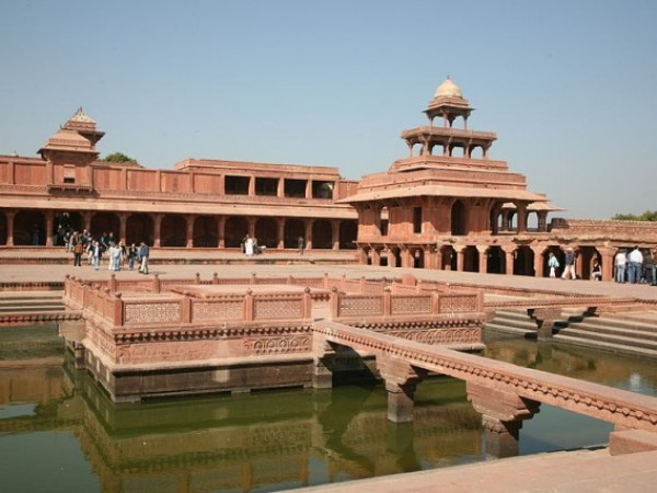 Fatehpur Sikri photos, Anup Talao - Complete View