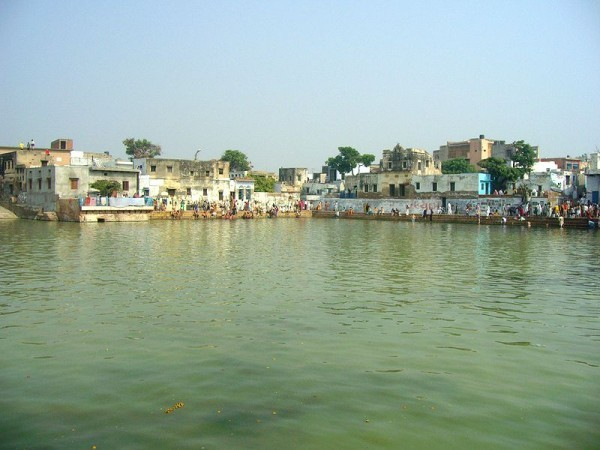 Govardhan photos, Radha Kund - Sacred Lake