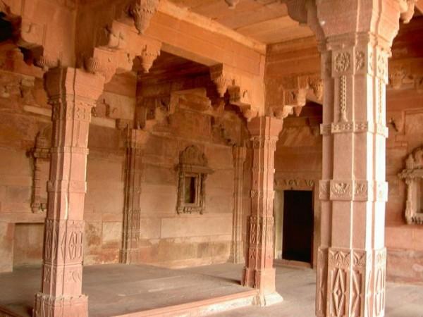 Fatehpur Sikri photos, Panch Mahal - Carved Pillars
