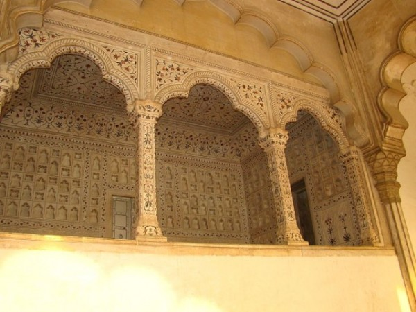 Agra photos, Diwan-i-am - The carved arches.