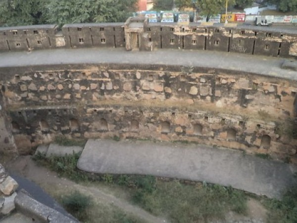Jhansi photos, Fort of Jhansi - Pavement