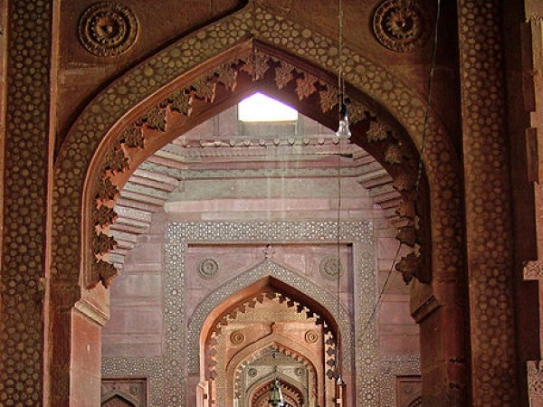 Agra photos, Jama Masjid - A row of arches.