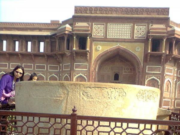 Agra photos, Jahangir Mahal - Jahangir's bath