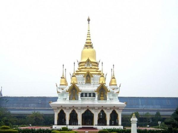 Kushinagar photos, Wat Thai Temple - Temple Tipped in Gold