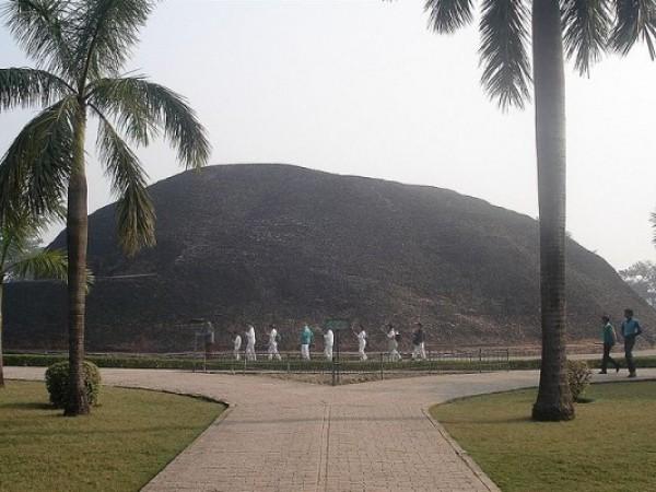 Kushinagar photos, Ramabhar Stupa - Complete View