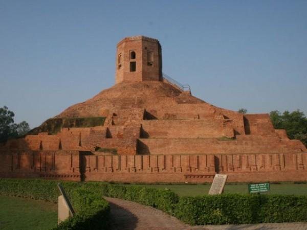 Sarnath photos, Chaukhandi Stupa - A famous stupa