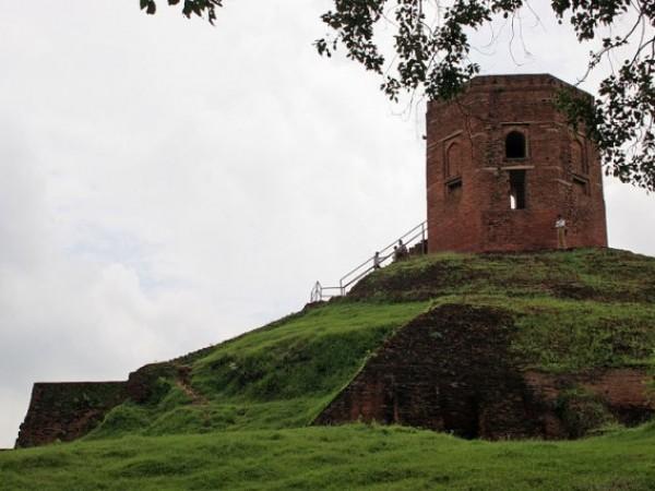 Sarnath photos, Chaukhandi Stupa - A view