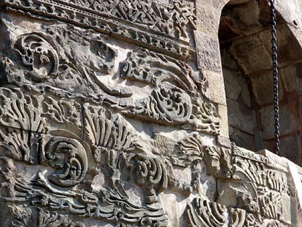 Sarnath photos, Dhamek Stupa - Carving