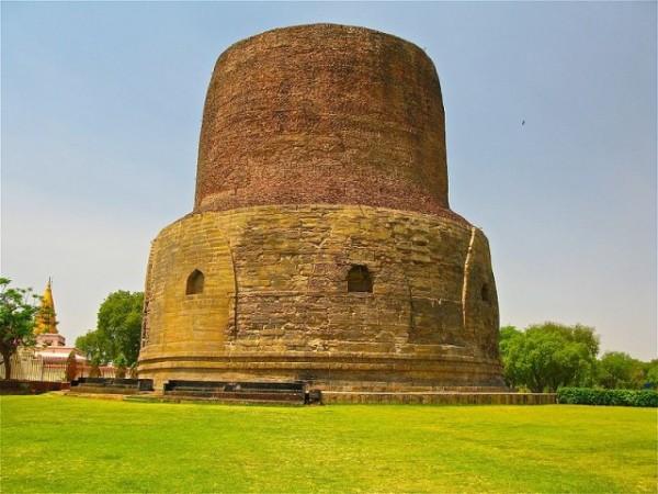 Sarnath photos, Dhamek Stupa - A clear and Bright view