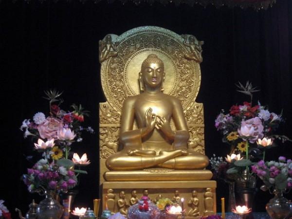 Sarnath photos, Mulagandha Kuti Vihar - Buddha