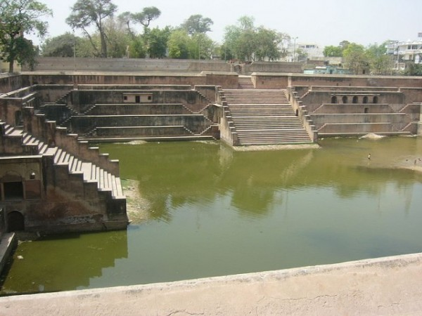 Mathura photos, Potara Kund - Lord Krishna's Cloths were washed