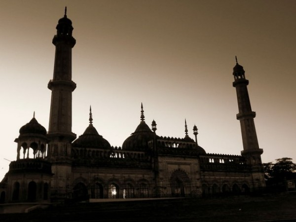 Lucknow photos, Bara Imambara - The picturesque view during twilight.