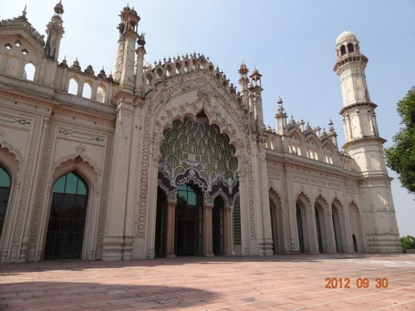 Lucknow photos, Juma Masjid - The front view