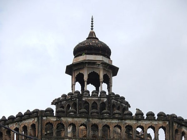 Lucknow photos, Rumi Darwaza - A close view