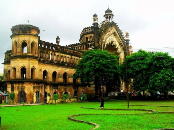 Lucknow photos, Rumi Darwaza - The beautiful Awadhi Architecture.