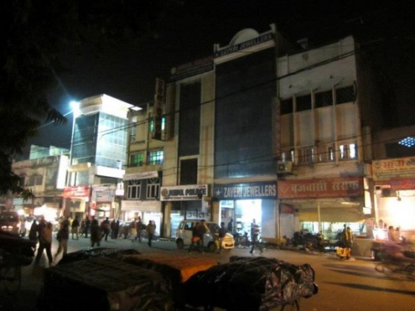 Lucknow photos, Aminabad - City in the night.