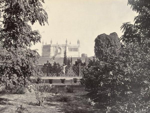 Kanpur photos, Shri Radhakrishna Temple - 1857_outside_well_cawnpore2