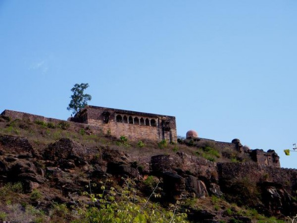 Raisen photos, Raisen Fort - Distant View