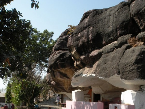 Bhojpur photos, Parvati Cave - Architectural Remains