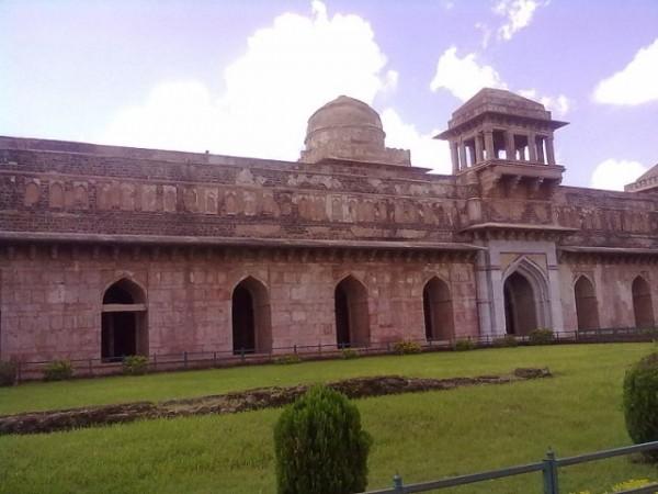 Mandu photos, Jahaz Mahal - The Ship Palace