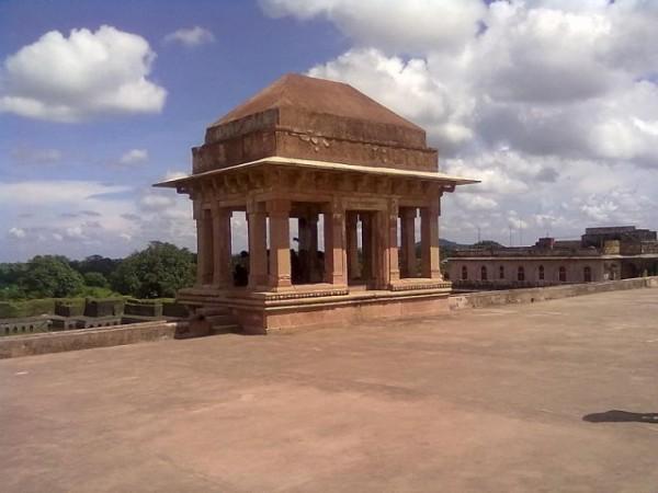 Mandu photos, Jahaz Mahal - A Beautiful View
