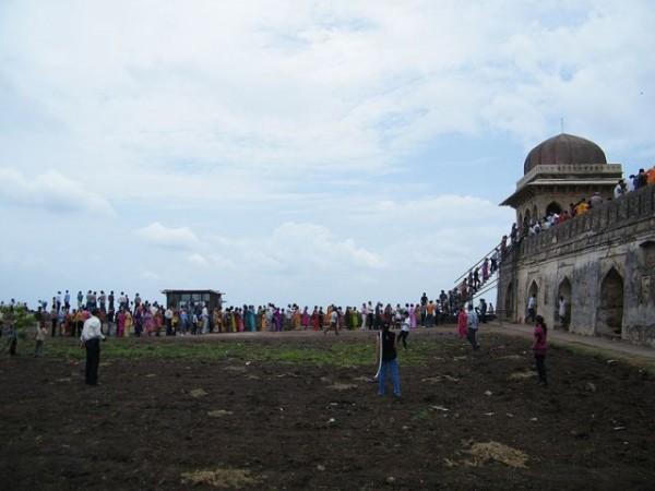 Mandu photos, Roopmati Pavilion - A distant view