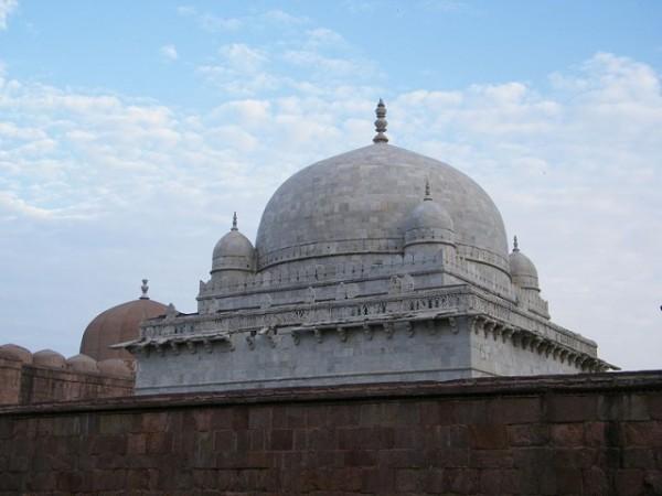 Mandu photos, Hoshang's Tomb - A Top view