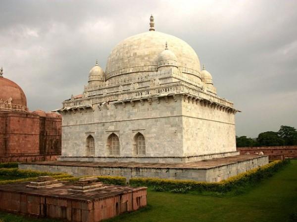 Mandu photos, Hoshang's Tomb - A marble mausoleum