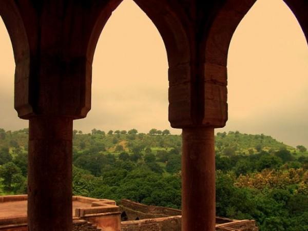 Mandu photos, Baz Bahadur's Mahal - A beautiful evening view