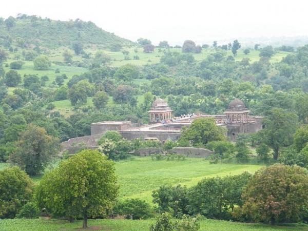 Mandu photos, Baz Bahadur's Mahal - A distant view