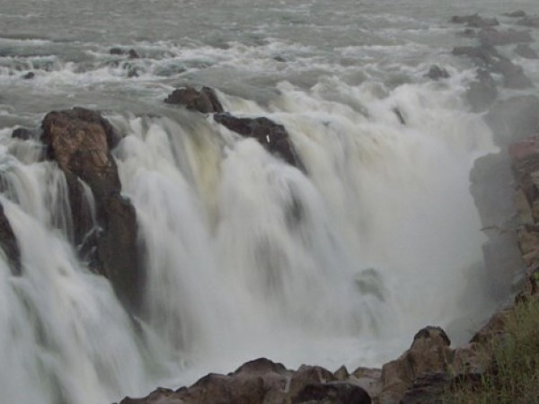 Jabalpur photos, Dhuandhar Falls - The thundering waterfalls