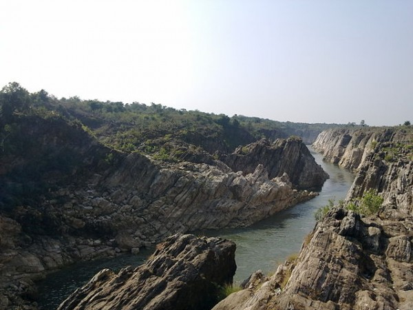 Jabalpur photos, Marble Rocks at Bhedaghat - A Picturesque View