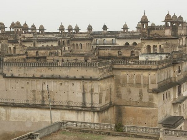 Orchha photos, Raja Mahal - An Exterior View